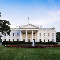 WASGINGTON DC, PENNSYLVANIA, UNITED STATES - 2013/05/30: The White House, home of the United States President. (Photo by John Greim/LightRocket via Getty Images)
